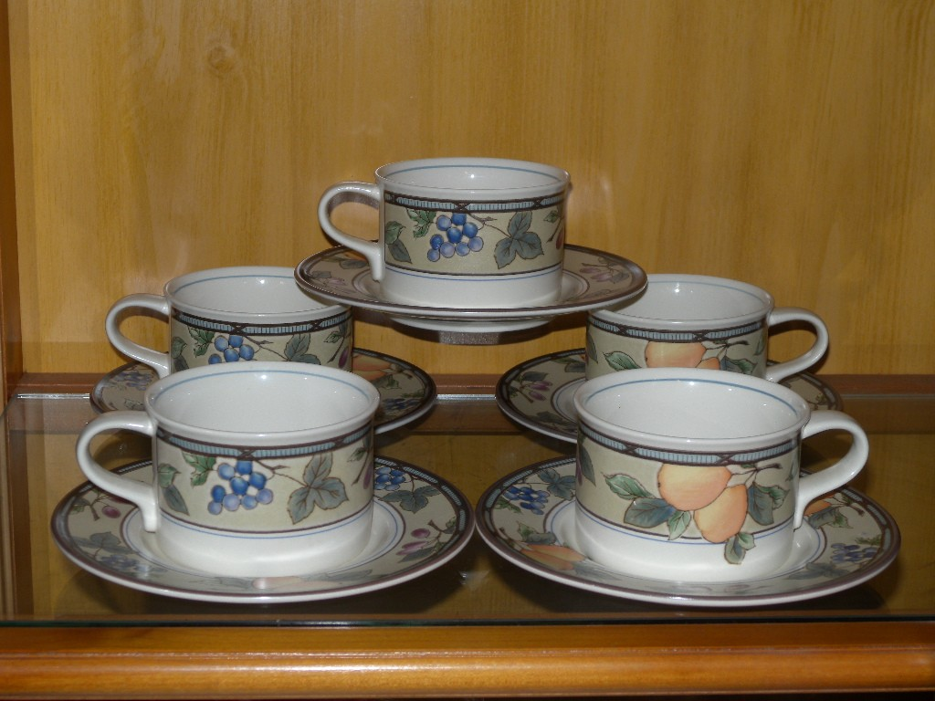 5 Mikasa Intaglio Garden Harvest Cups And Saucers Ebay