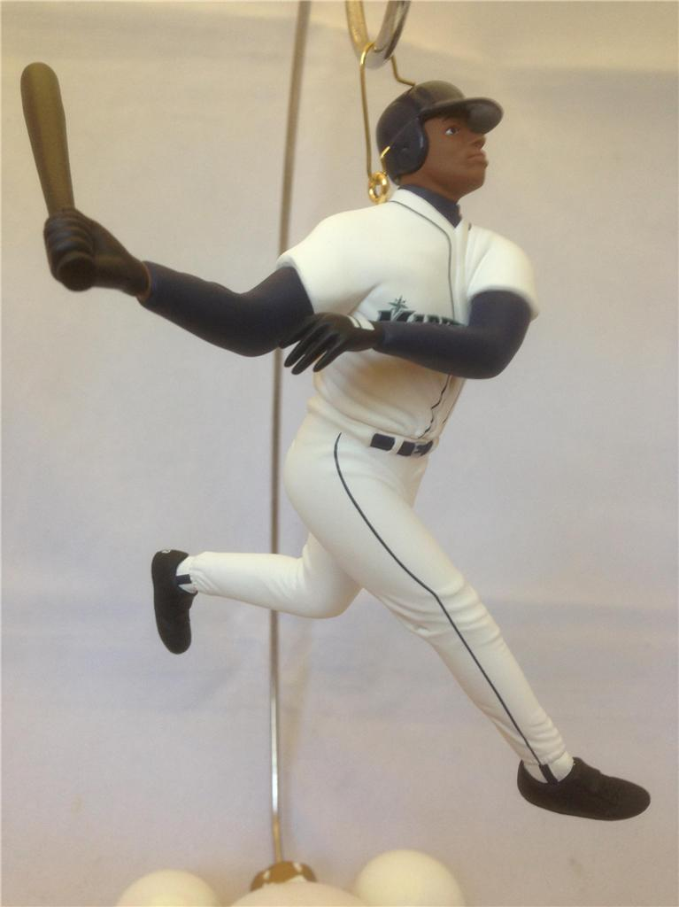 KEN GRIFFEY JR. - 1999 Hallmark Keepsake Ornament, SEATTLE MARINERS