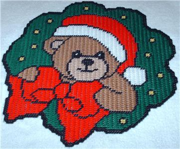 Details about Christmas Bear & Wreath Plastic Canvas Pattern PC0781