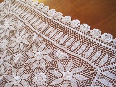 Ravelry: Coffee Table Topper pattern by Agnes Russell