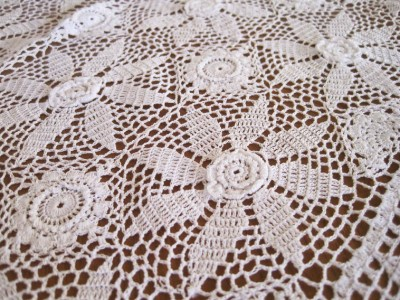 CROCHETED ROUND TABLECLOTH PATTERN | CROCHET PATTERNS