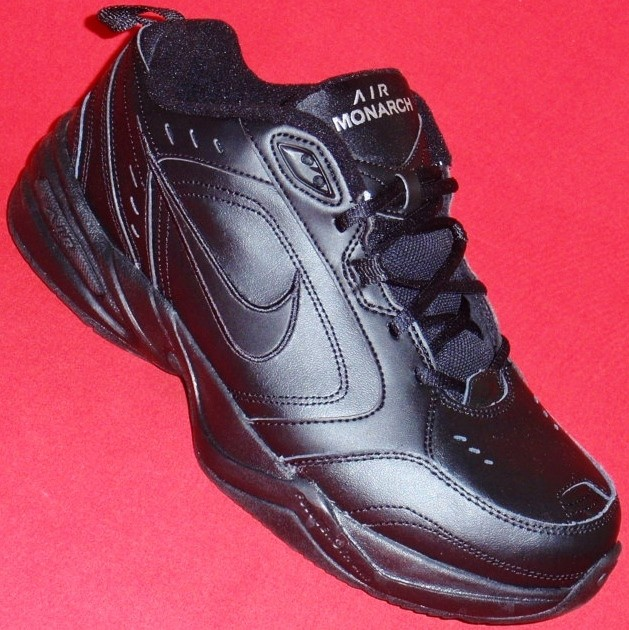 Amazing Nike Air Monarch IV CrossTrainers  Men