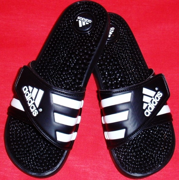NEW-Womens-ADIDAS-ADISSAGE-Black-White-Massaging-Slides-Flip-Flops-Sandals-Shoe