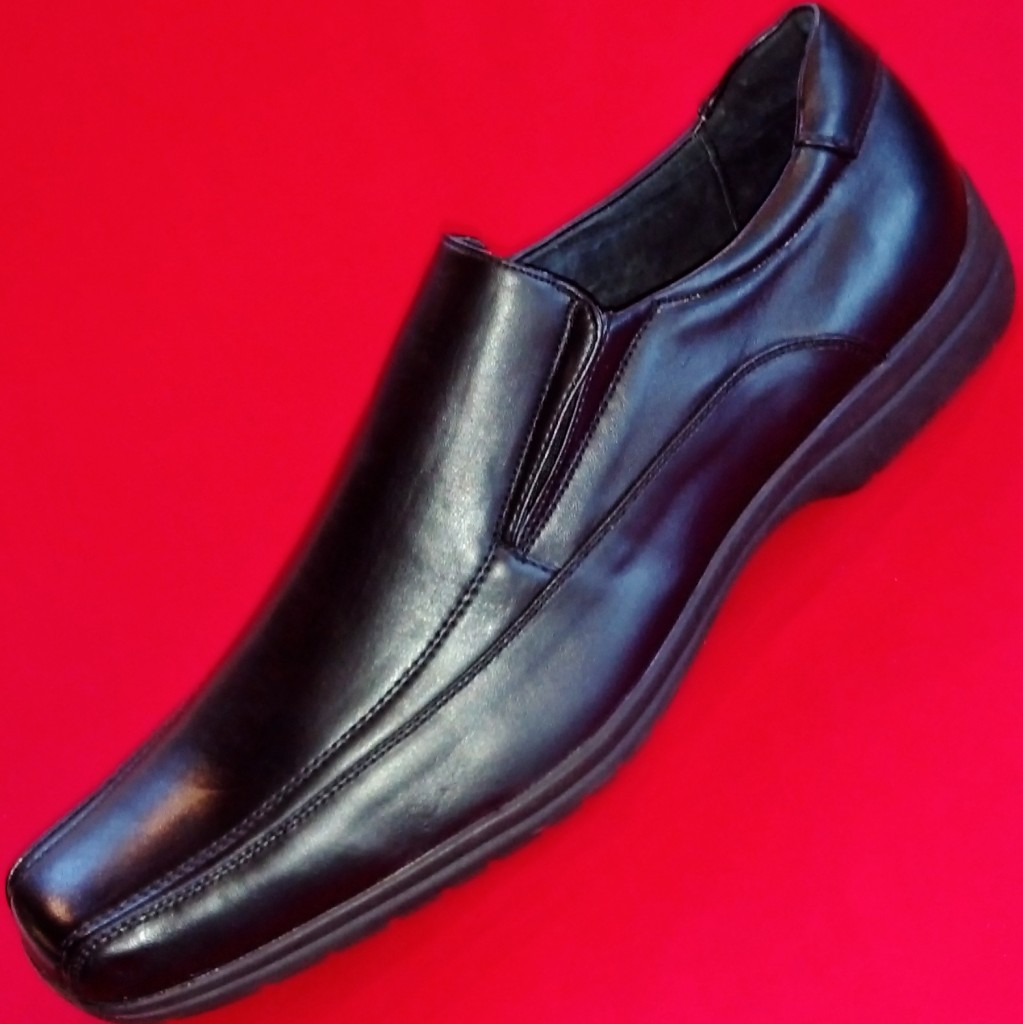 NEW-Mens-APT-9-HAMPSHIRE-Black-Leather-Loafers-Slip-On-Formal-Casual-Dress-Shoe