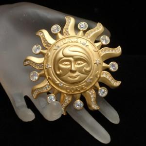 Sun Pin Kirks Folly One Love Brooch Pendant Rhinestones