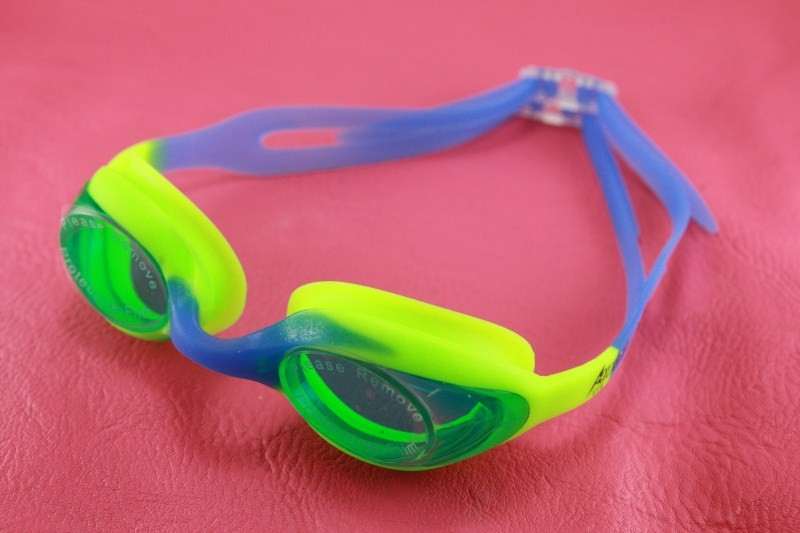 Kids-Girl-Boy-Swimming-Goggles-Polycarbonate-clear-lens-w-BOX-8323-free-shipping