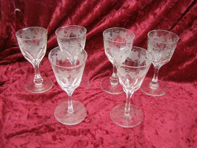 6 Vintage Hand Blown Etched Drinking Cocktail Wine Glasses