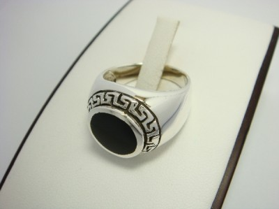 925 Sterling Silver Men& 39 s Round Onyx Greek Key Ring