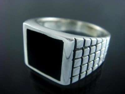 925 Sterling Silver Men& 39 s Square Onyx Engraved Ring