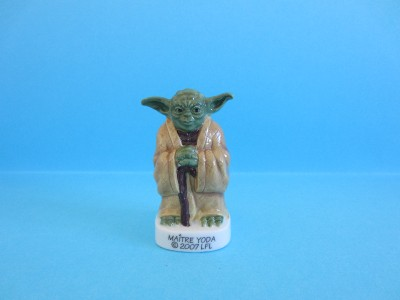 amazing miniature porcelain 2007 master yoda figurine. Black Bedroom Furniture Sets. Home Design Ideas