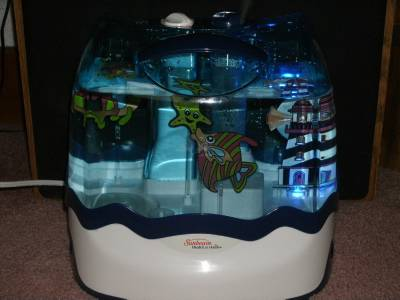 Sunbeam ultrasonic light up fish tank nursery humidifier for Humidifier cleaning fish