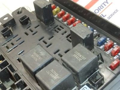 Here Is A Fuse Panel Picture And Description on 2009 bmw 328i coupe fuse box location