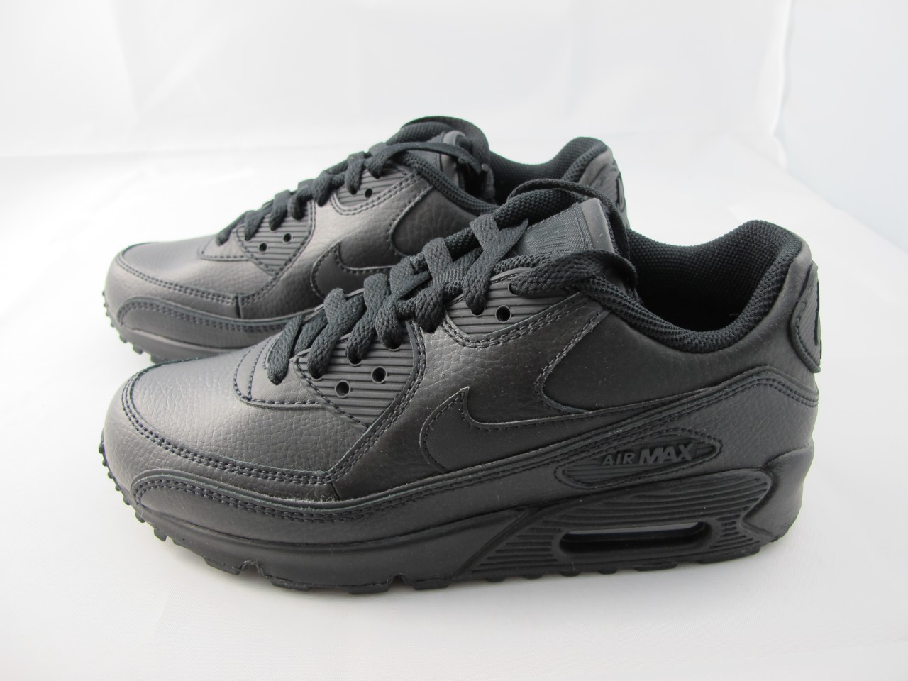 nike air max 90 black on black