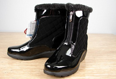 khombu black faux patent leather quilted snow boot