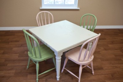 pottery barn kids farmhouse square table and 4 chairs 2