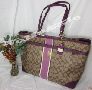 nwt coach heritage stripe berry purple 12351 diaper laptop travel bag. Black Bedroom Furniture Sets. Home Design Ideas