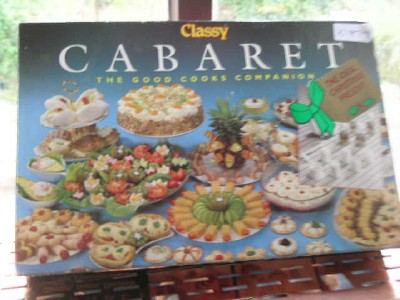 Vintage classy cabaret canape maker classy cutter party for Le canape maker