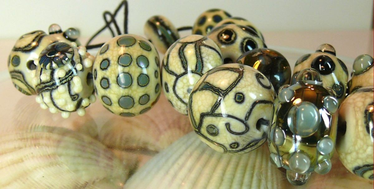 Glass-Artisan-Lampwork-Beads-034-Midnight-Magic-034