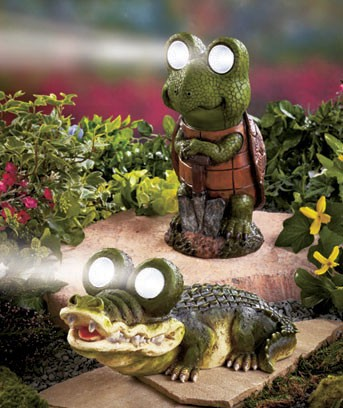 Solar powered turtle or alligator outdoor led lighting for Alligator yard decoration