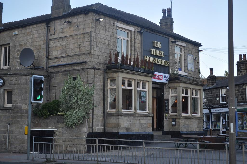 The three horseshoes pub in far headingley
