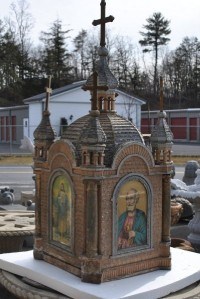 REVERSE PAINTED GLASS WOOD GOTHIC CHURCH TABERNACLE 12JJ22