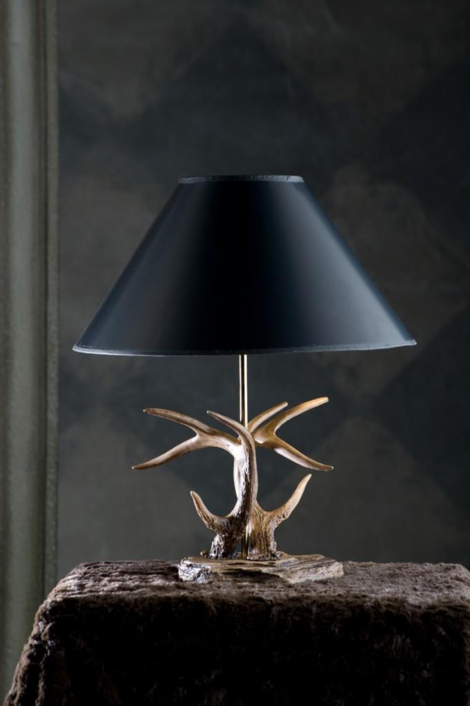 antler table lamp rustic whitetail deer lamps log cabin. Black Bedroom Furniture Sets. Home Design Ideas