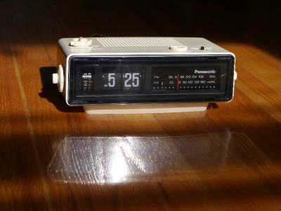 Panasonic Vintage Flip Clock Radio Bakelite Howard Eamaes Danish
