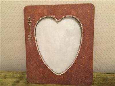 Antique Wooden Heart Shaped Picture Frame Arts Crafts Era E1900s W