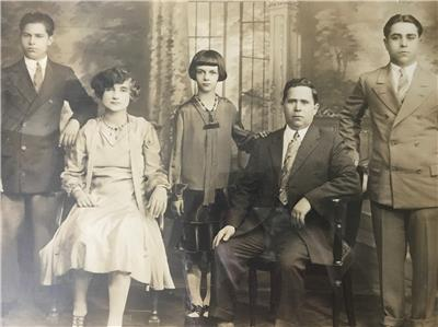 Sale ANTIQUE FAMILY PORTRAIT 1920s 1930 MAFIA ITALIAN NY ...