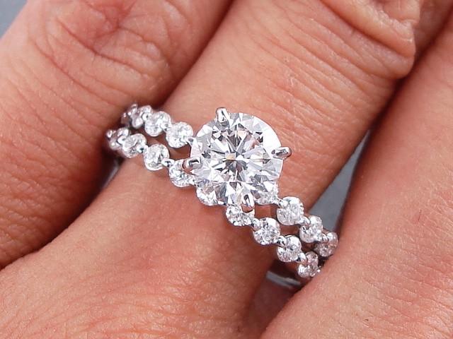 1.75 CARAT CT TW ROUND CUT DIAMOND ENGAGEMENT RING
