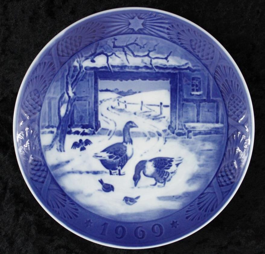 Vintage Christmas China Plate Royal Copenhagen Denmark ...