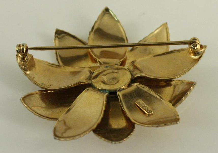 783ef3a00e4 Vintage Costume Jewelry Brooch CORO Gold Tone Flower Pin 2.25