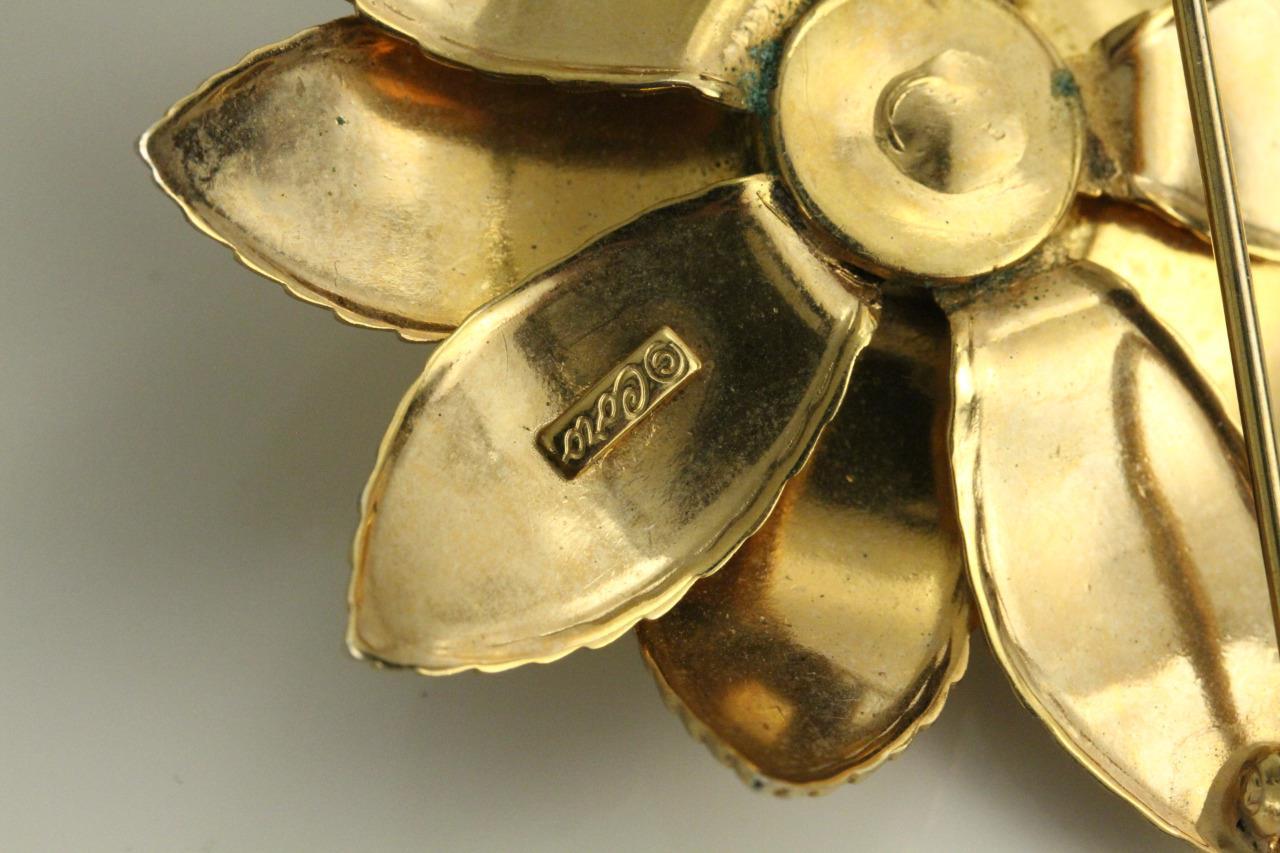 59b1e6f2da0 Vintage Costume Jewelry Brooch CORO Gold Tone Flower Pin 2.25