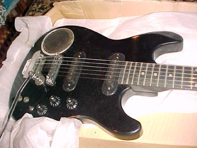 electric guitar w built in amp 1980 39 s 6 string terminator synsonics. Black Bedroom Furniture Sets. Home Design Ideas