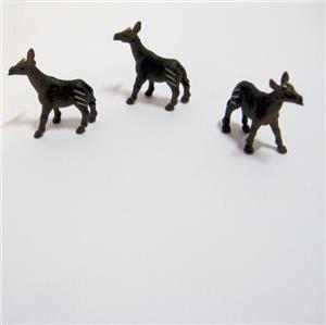 Doll House Shoppe Toy 3 Kangaroo Figures Game Piece 11625 Micro-Mini Miniature