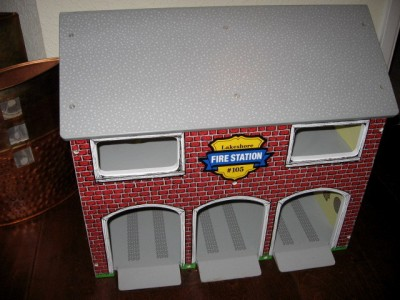 Vtg Lakeshore Learning Lrg Wooden Fire House Station Wood