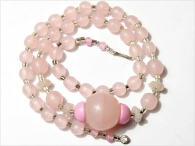 Vintage Czech Opaque Pink Art Deco Glass Beads Necklace