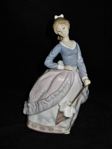 Lladro Evita 5212 Girl With Umbrella Or Parasol Porcelain Figurine