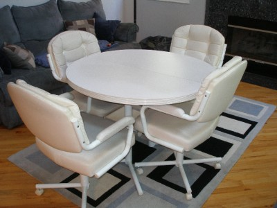white dinette kitchen dining table chairs swivel wheels set contemporary used ebay. Black Bedroom Furniture Sets. Home Design Ideas