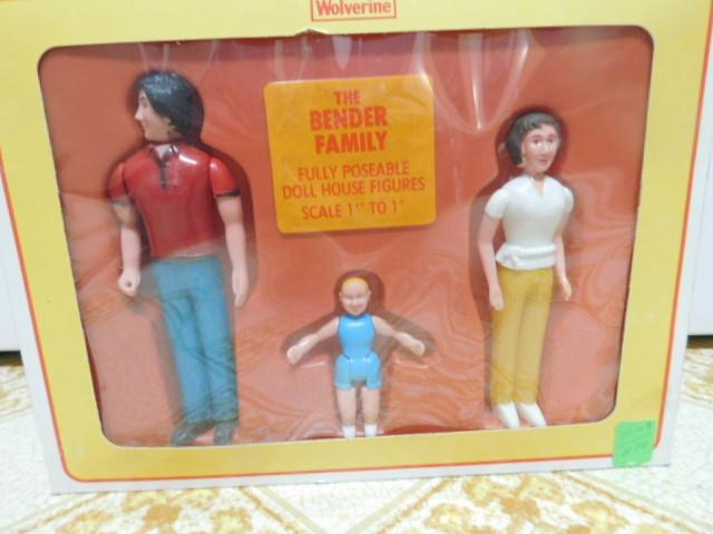 Doll-House-People-Figures-The-Bender-Family-by-Wolverine-Rite-scale-Toys-NOS-Box thumbnail 3