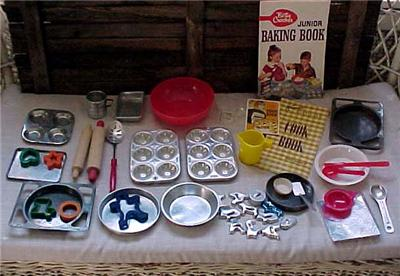 37 Pc Lot Vtg Easy Bake Oven Accessories Bowls Pans
