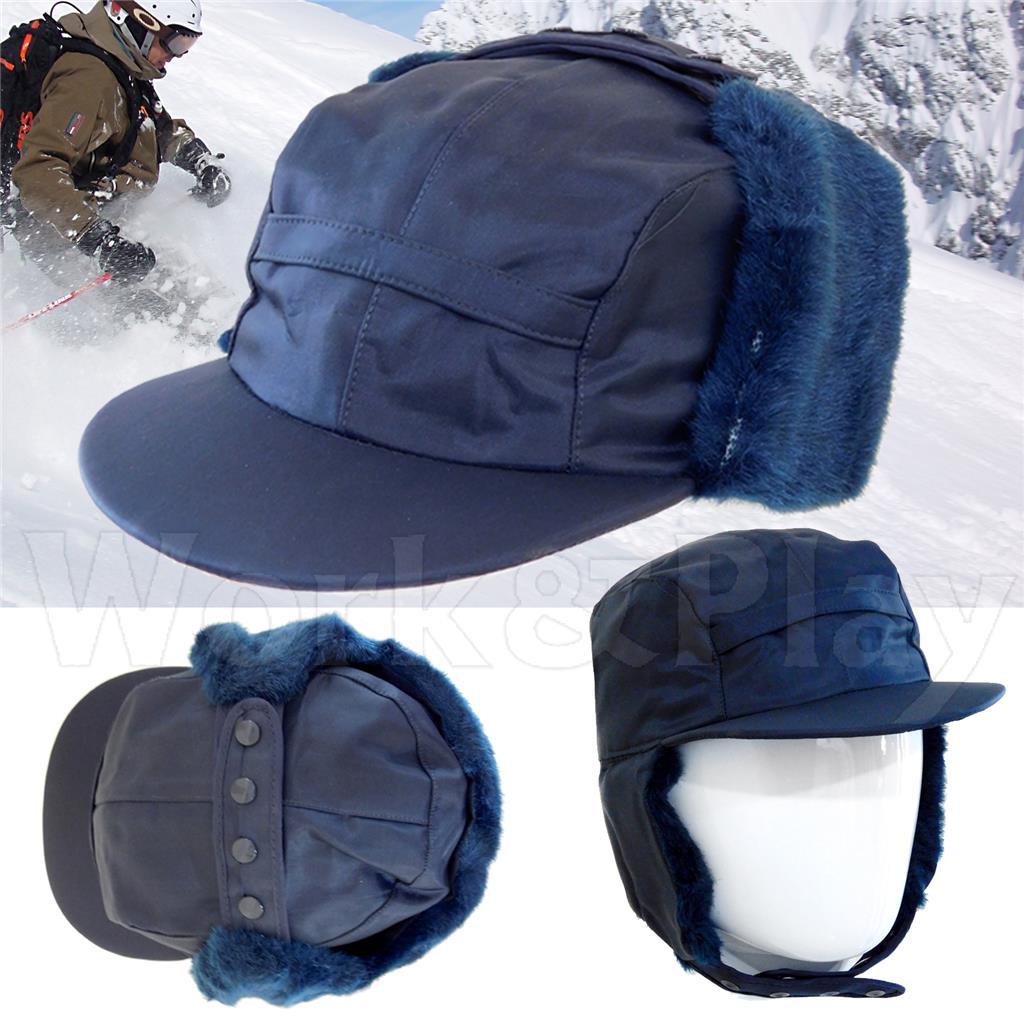 Cappello canadese invernale con paraorecchie in ecopelliccia sganciabile.  Ottima protezione termica anche nei climi più rigidi e buona impermeabilità. 2d5c19a471ab