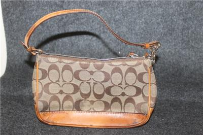 74e4272bc1 SMALL AUTHENTIC COACH CLUTCH PURSE WITH HANDLE LEATHER BOTTOM CLASSIC C