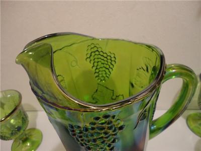 INDIANA VINTAGE RARE GREEN CARNIVAL GLASS HARVEST GRAPE PITCHER & (4