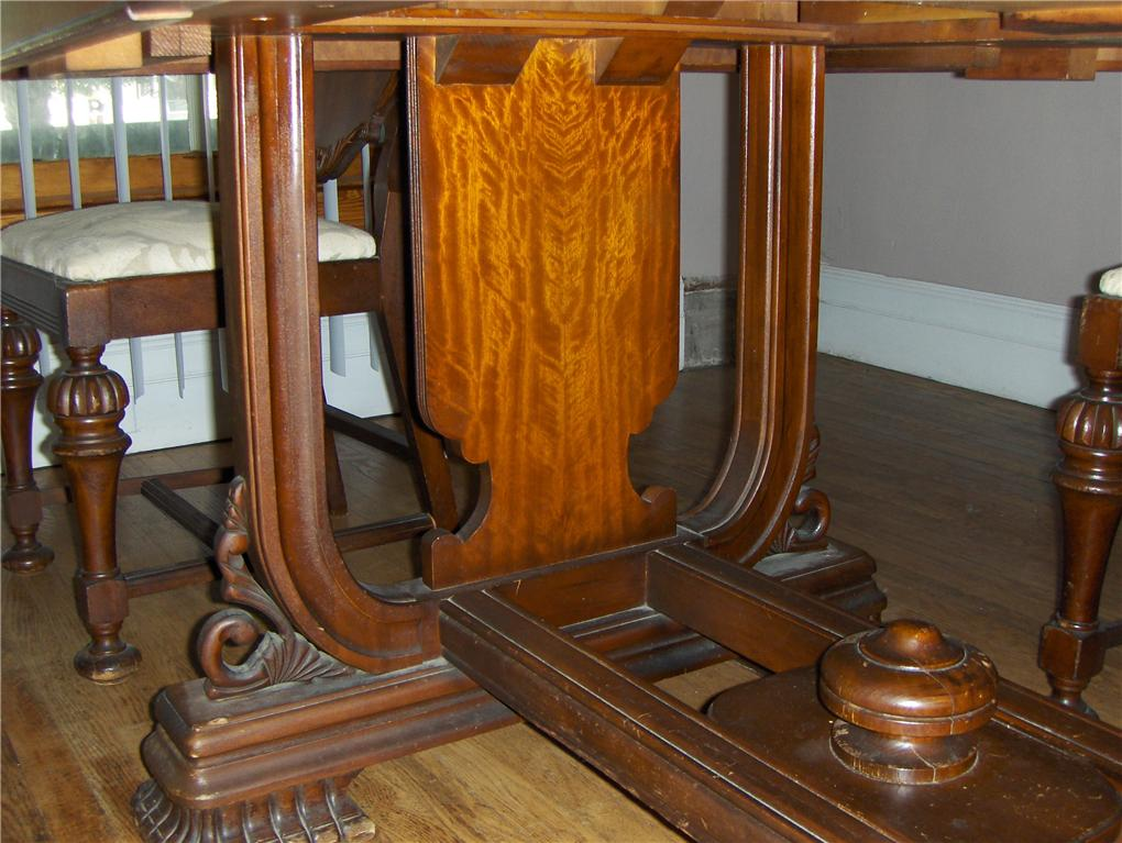 Jefferson Woodworking Company Table And 5 Chairs Antique