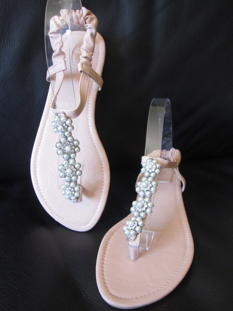 3e3613a81b5d Pink Flat Sandals with Pearl Flowers Good for bridesmaid on Wedding ...