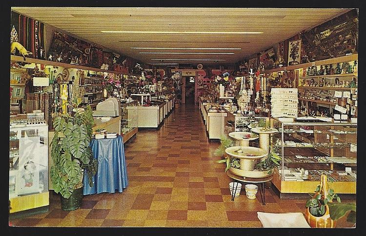 MILLER'S RESTAURANT AND GIFT ROOM, MACKINAW CITY, MICHIGAN, Postcard