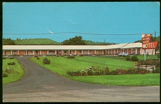 BROWN MOTEL, LIBERTY, KENTUCKY, Postcard