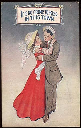 KISSING COUPLE, IT IS NO CRIME TO KISS IN THIS TOWN, Postcard