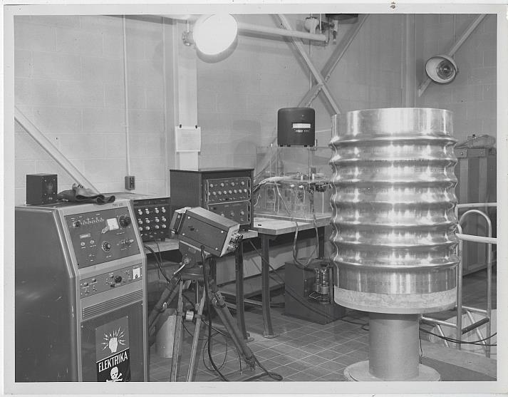 ORIGINAL PHOTOGRAPH OF SATURN ROCKET LABORATORY, MARSHALL SPACE FLIGHT CENTER, Photograph